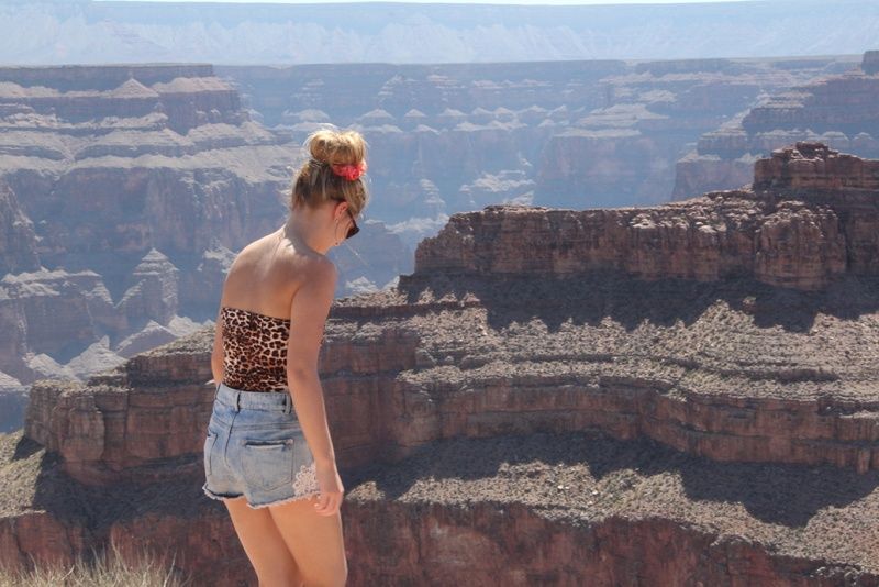 girl at grand canyon travel memories