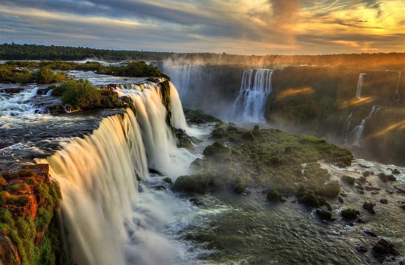 iguazu_falls.jpg